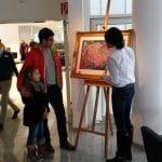 BMW … hier zeigt die Künstlerin, ihr neustes Werk für die Kunstmesse in Tokyo